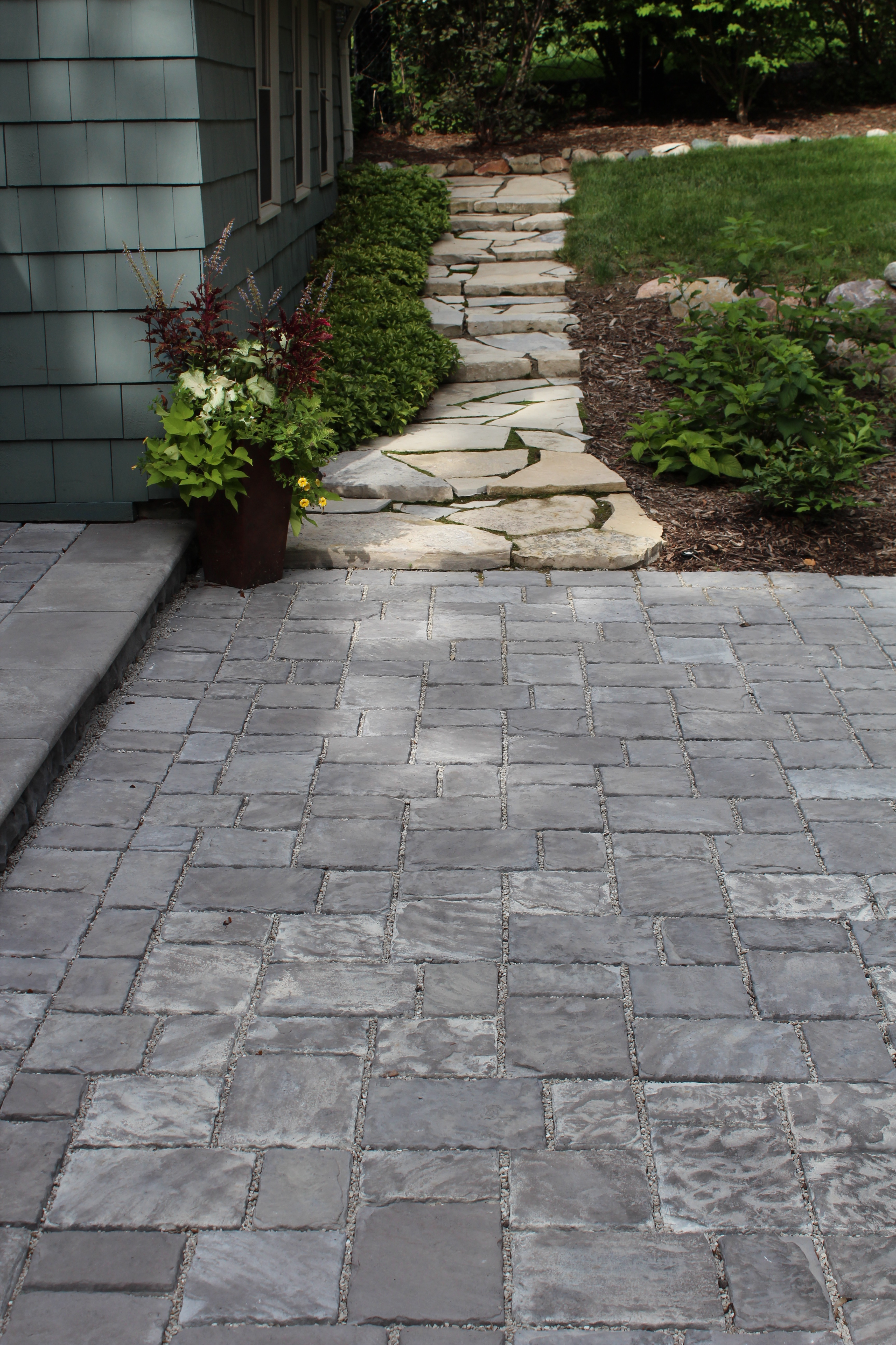 canadian-flagstone