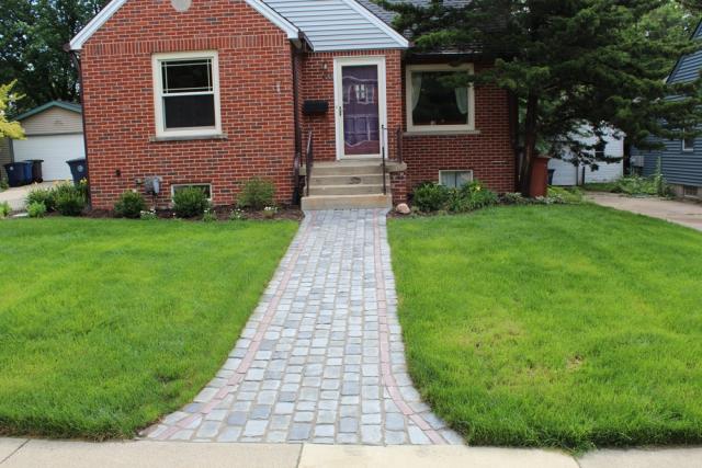 Unilock Courtstone Walkway
