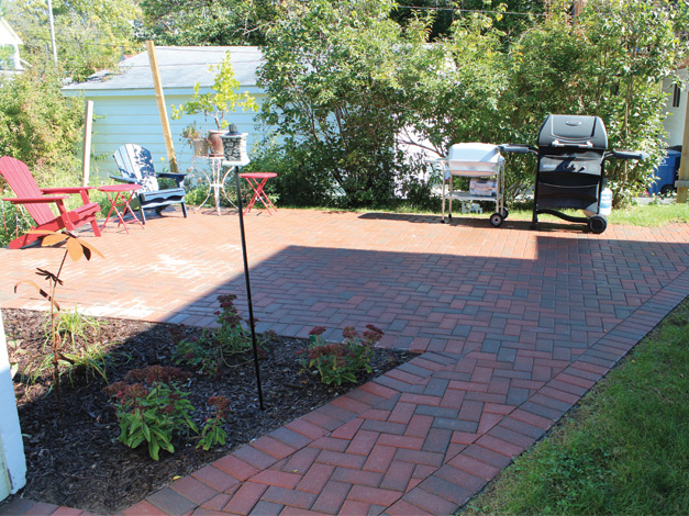 Unilock Hollandstone Rustic Red Patio